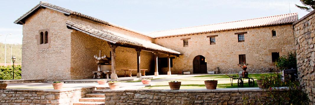 Manzanos compra 'Siglo' y 'Vinícola de Navarra'